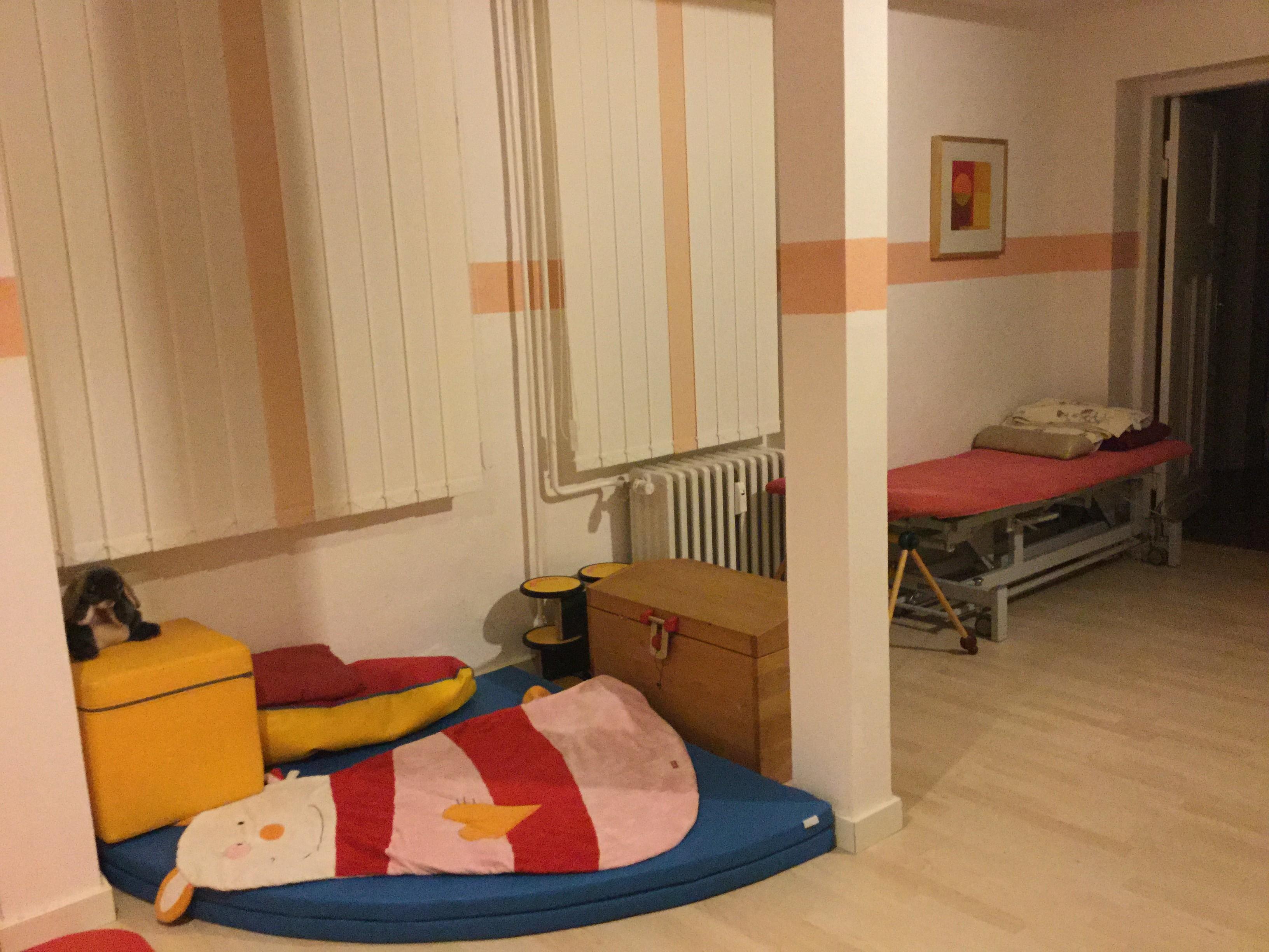 Behandlungsraum für Säuglinge und Kinder II